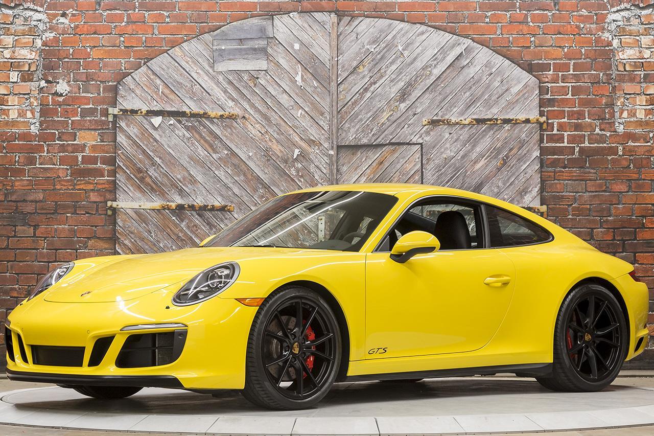2017 Porsche 911 Carrera GTS Coupe PDK