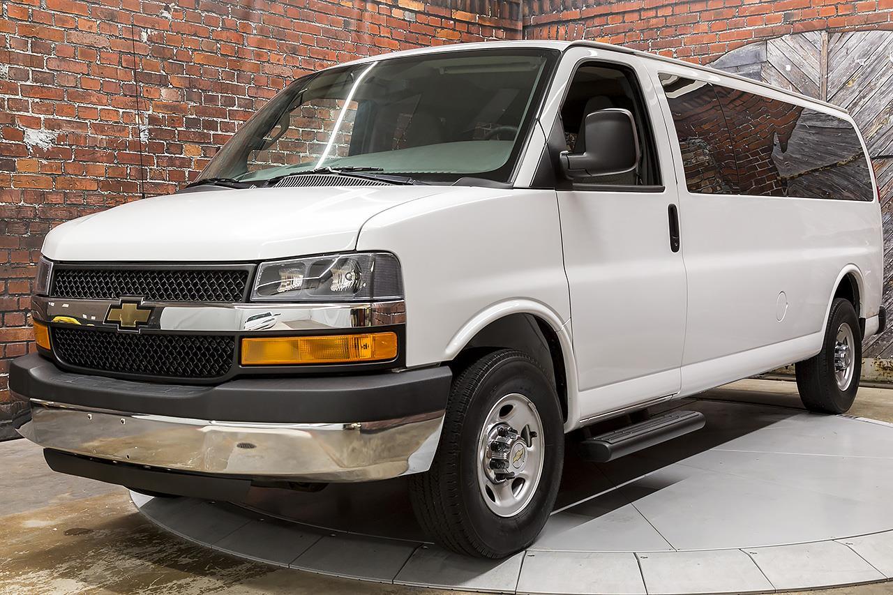 2016 Chevrolet Express 3500 LT 15-Passenger Van