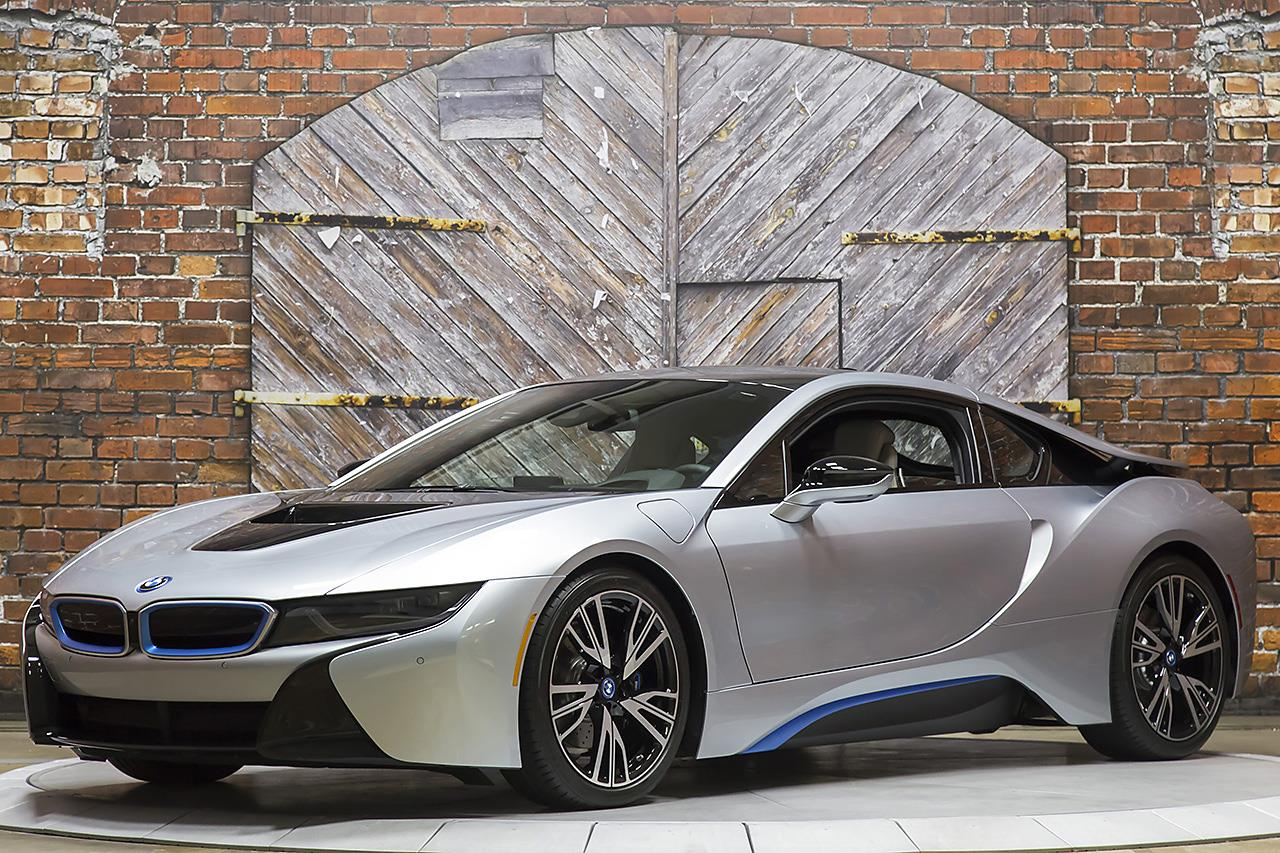 2015 BMW i8 Pure Impulse World